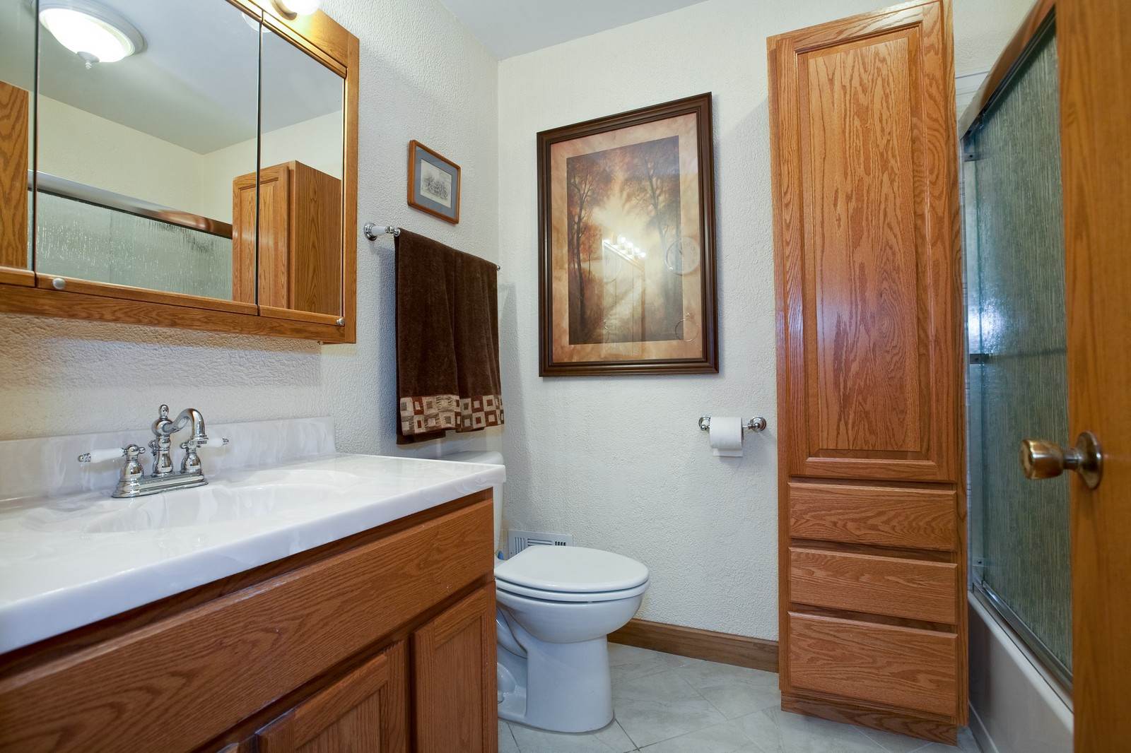 Real Estate Photography - 4402 Black Partridge, Lisle, IL, 60532 - Bathroom