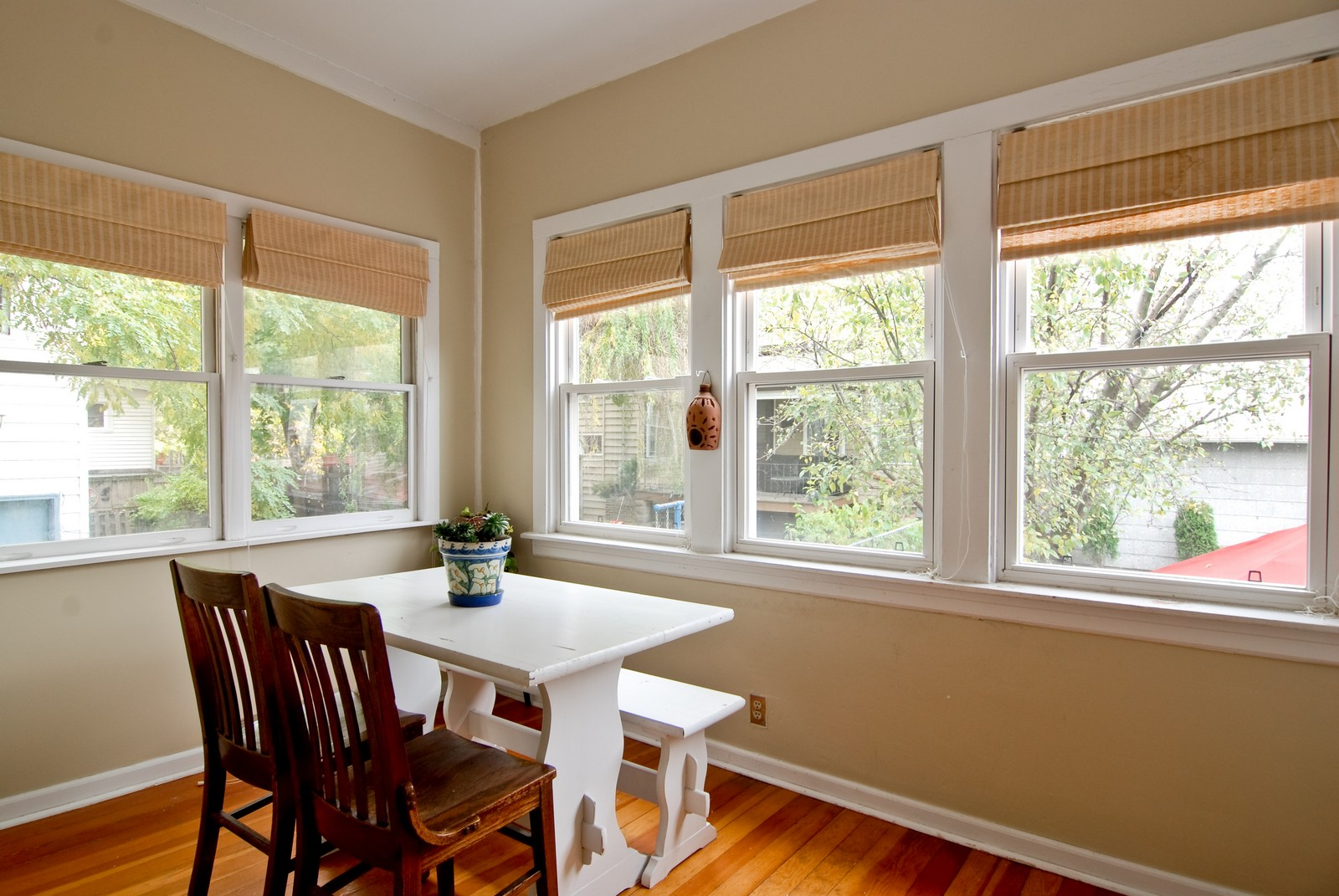 Real Estate Photography - 3436 N Kilbourn, Chicago, IL, 60641 - Sun Room