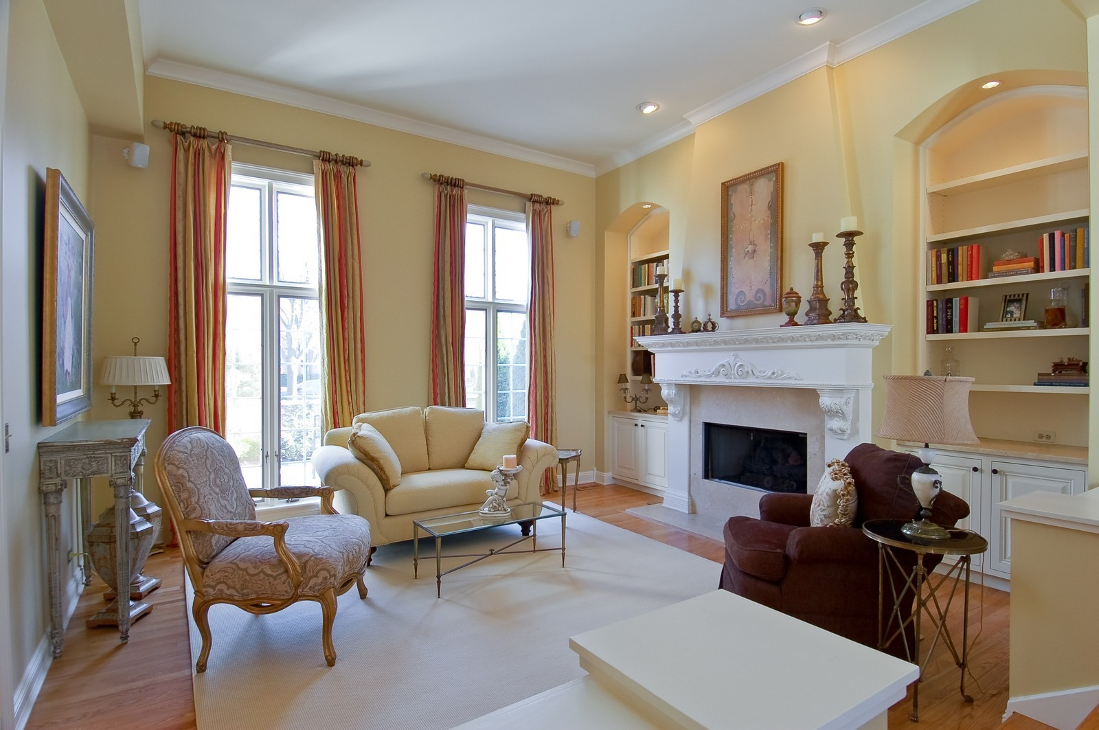 Real Estate Photography - 1492 Lloyd, Wheaton, IL, 60189 - Living Room