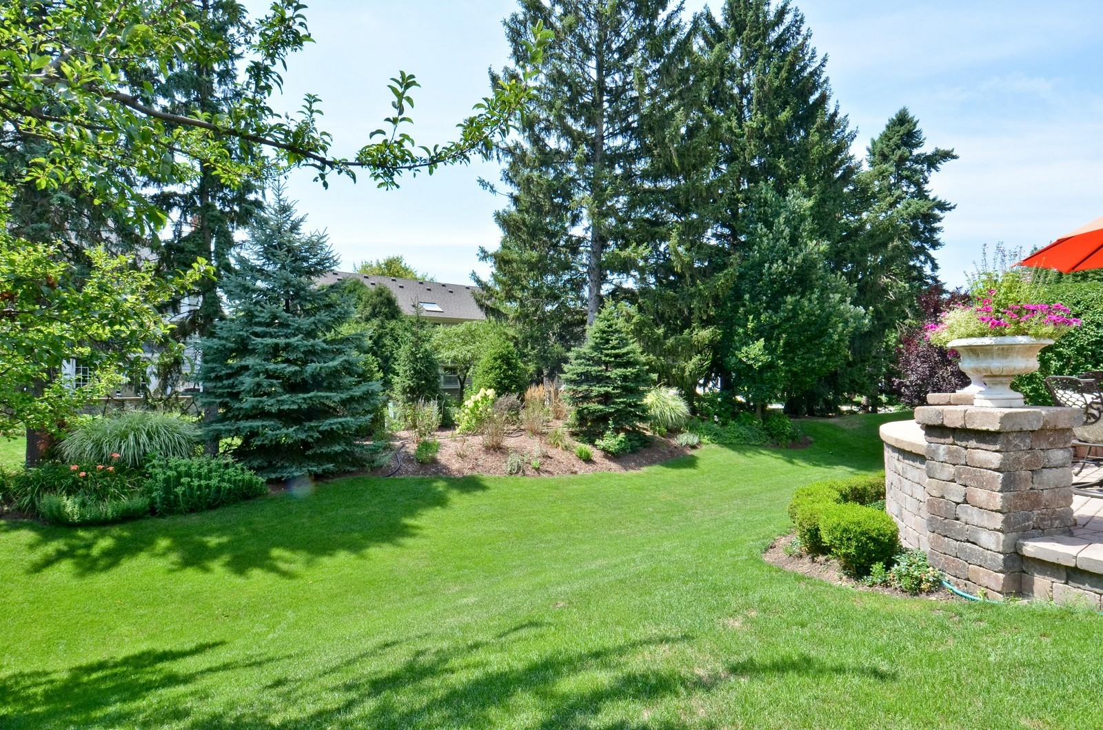 Real Estate Photography - 1492 Lloyd, Wheaton, IL, 60189 - Back yard, view 2