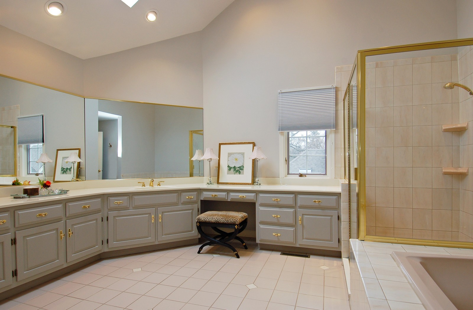 Real Estate Photography - 1492 Lloyd, Wheaton, IL, 60189 - Master Bathroom