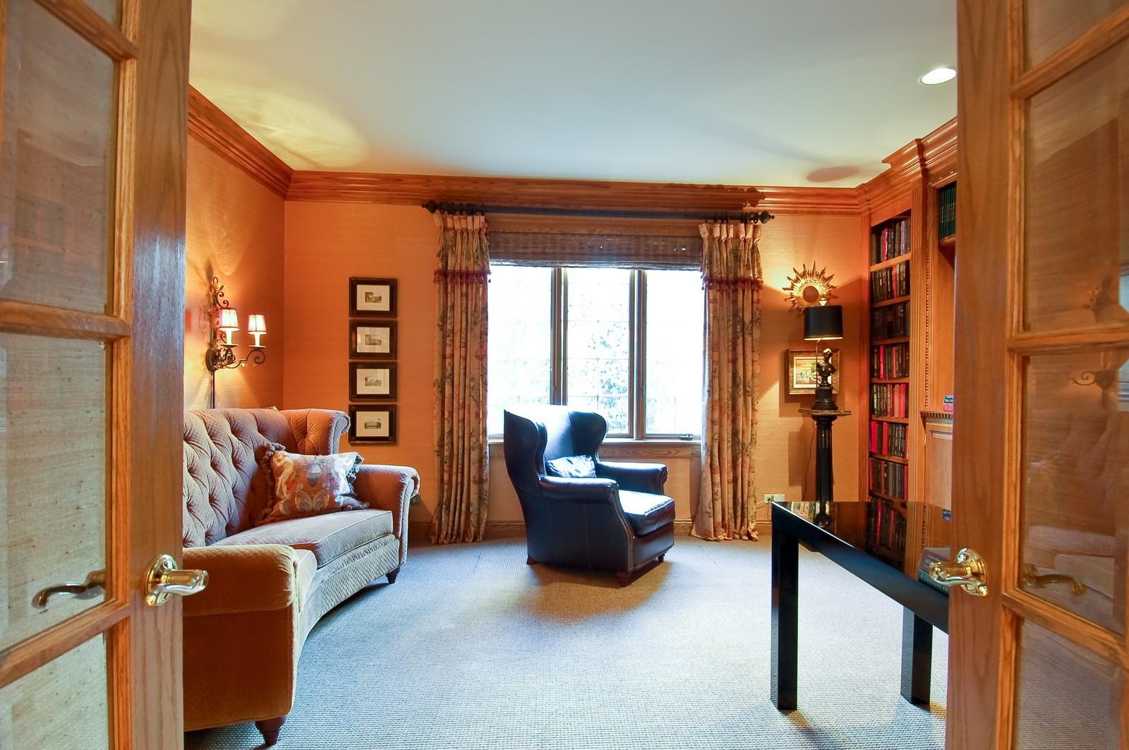 Real Estate Photography - 1492 Lloyd, Wheaton, IL, 60189 - Library