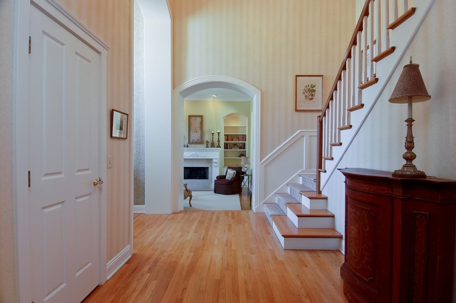 Real Estate Photography - 1492 Lloyd, Wheaton, IL, 60189 - Hallway/Gallery