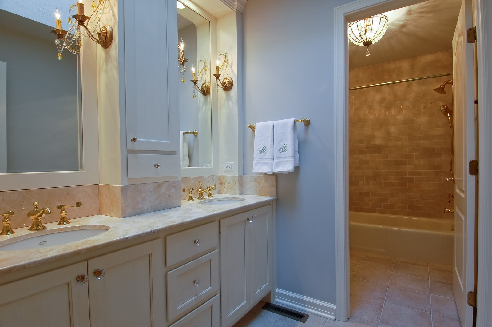 Real Estate Photography - 1492 Lloyd, Wheaton, IL, 60189 - 2nd Floor Bath