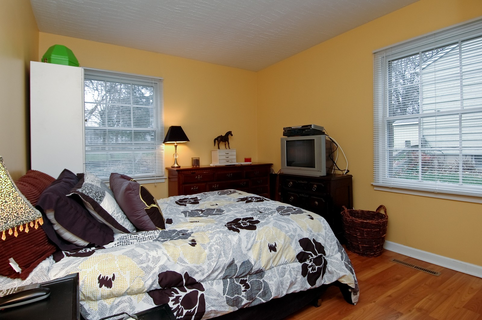 Real Estate Photography - 85 South, Cary, IL, 60013 - Master Bedroom