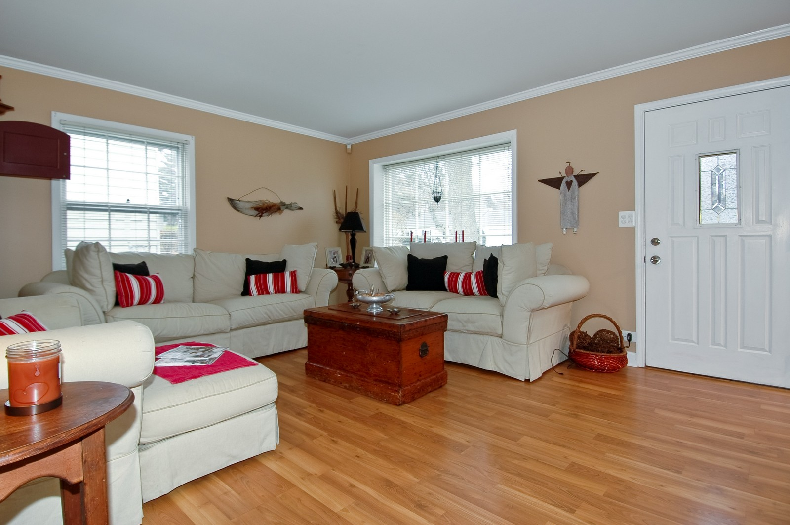 Real Estate Photography - 85 South, Cary, IL, 60013 - Living Room