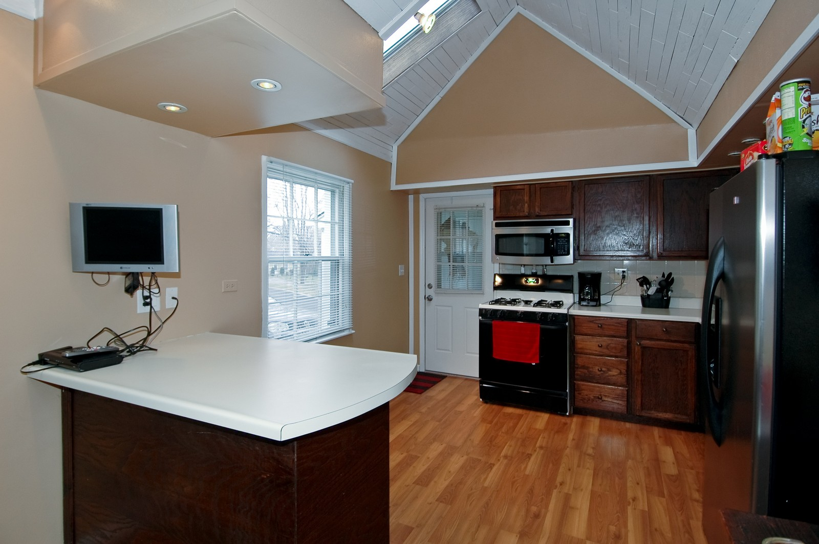 Real Estate Photography - 85 South, Cary, IL, 60013 - Kitchen