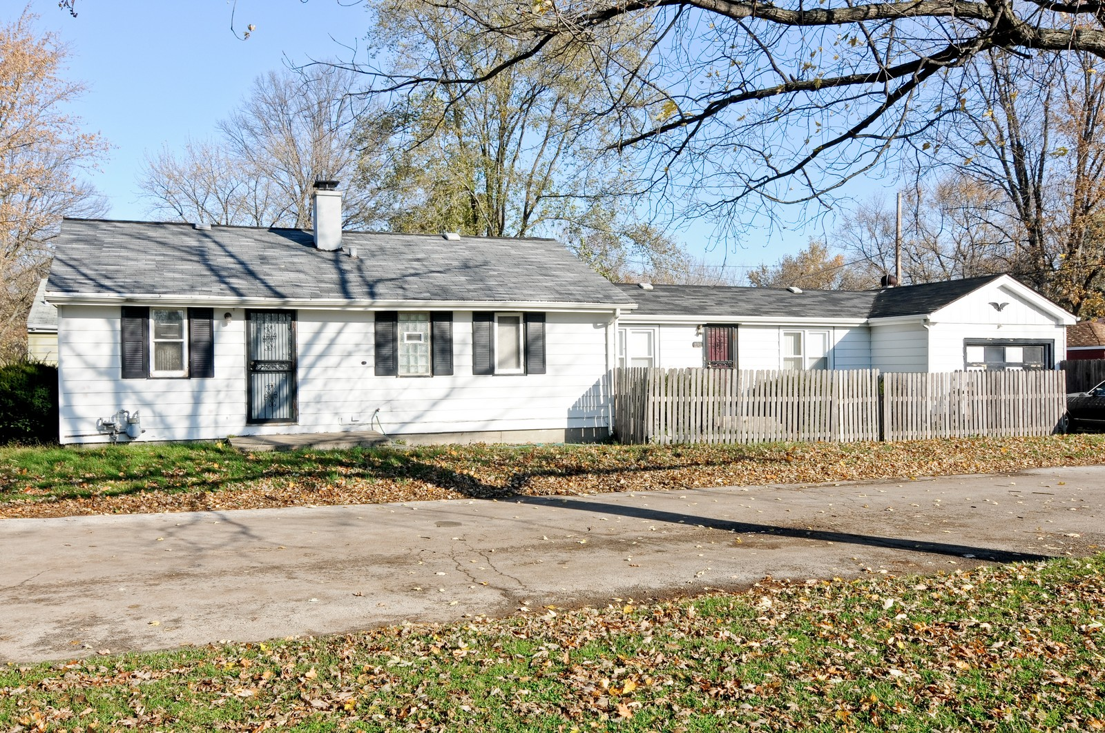Real Estate Photography - 16841 Trapet, Hazel Crest, IL, 60429 - Front View