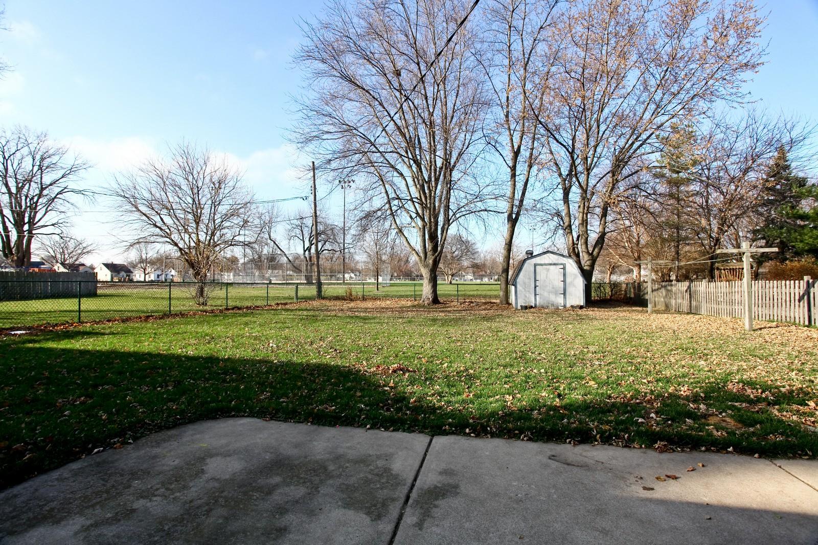 Real Estate Photography - 929 Seaman, Dekalb, IL, 60115 - Back Yard