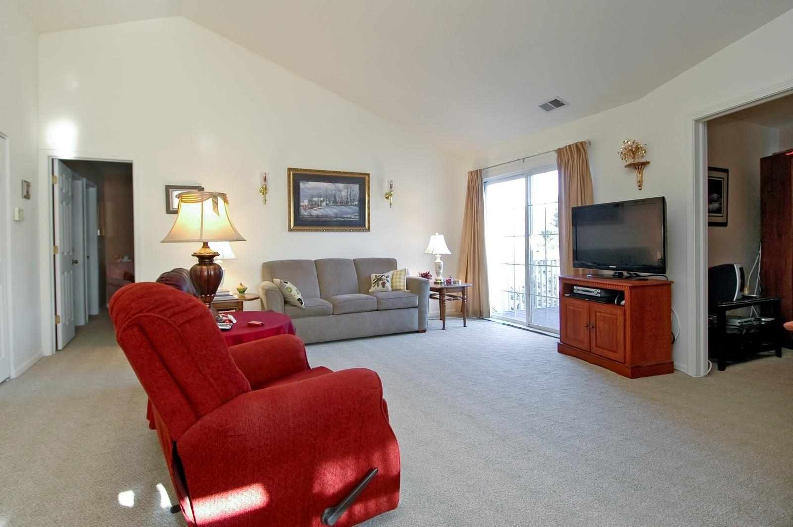 Real Estate Photography - 346 Crystal Ridge, Crystal Lake, IL, 60014 - Living Room