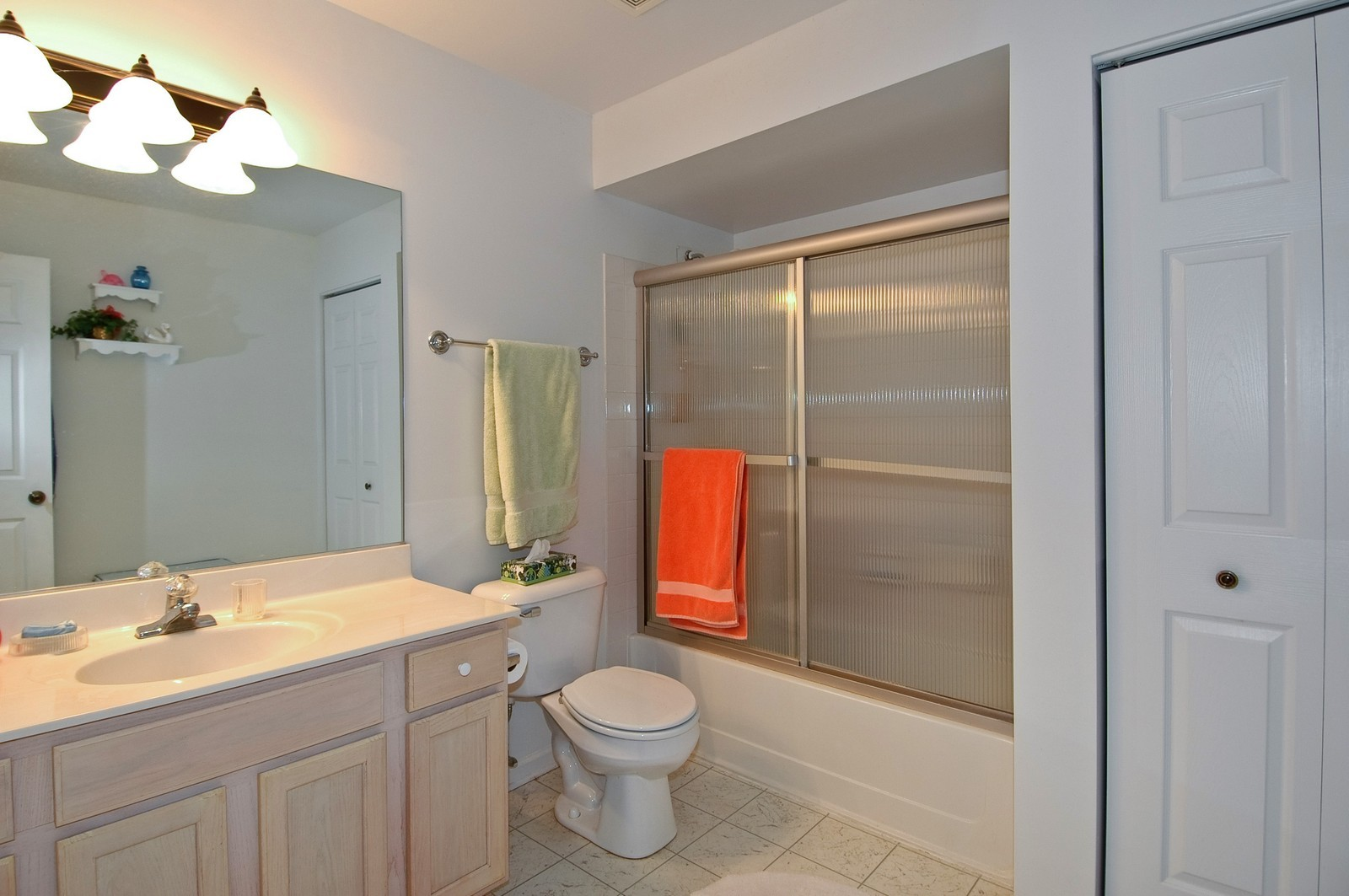 Real Estate Photography - 346 Crystal Ridge, Crystal Lake, IL, 60014 - Master Bathroom