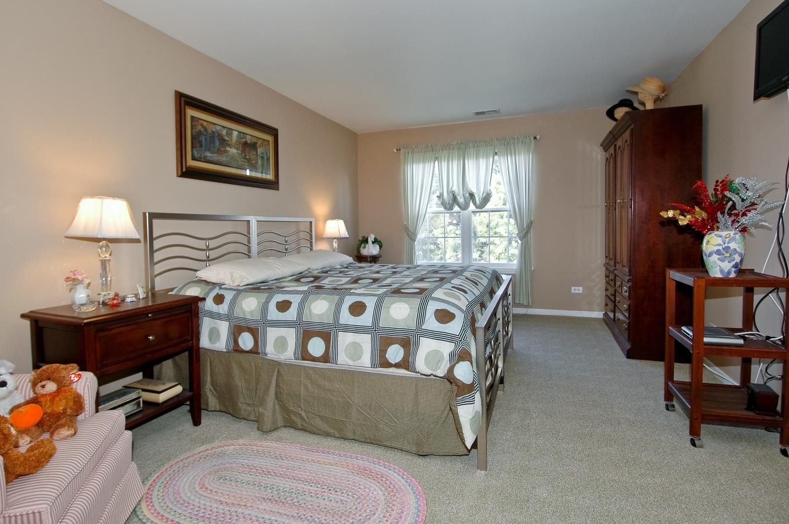 Real Estate Photography - 346 Crystal Ridge, Crystal Lake, IL, 60014 - Master Bedroom