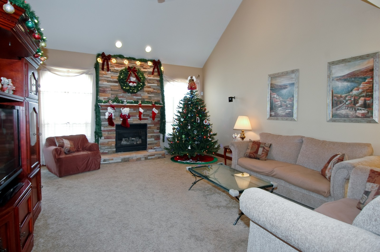 Real Estate Photography - 5522 Dakota Ridge, Johnsburg, IL, 60050 - Living Room