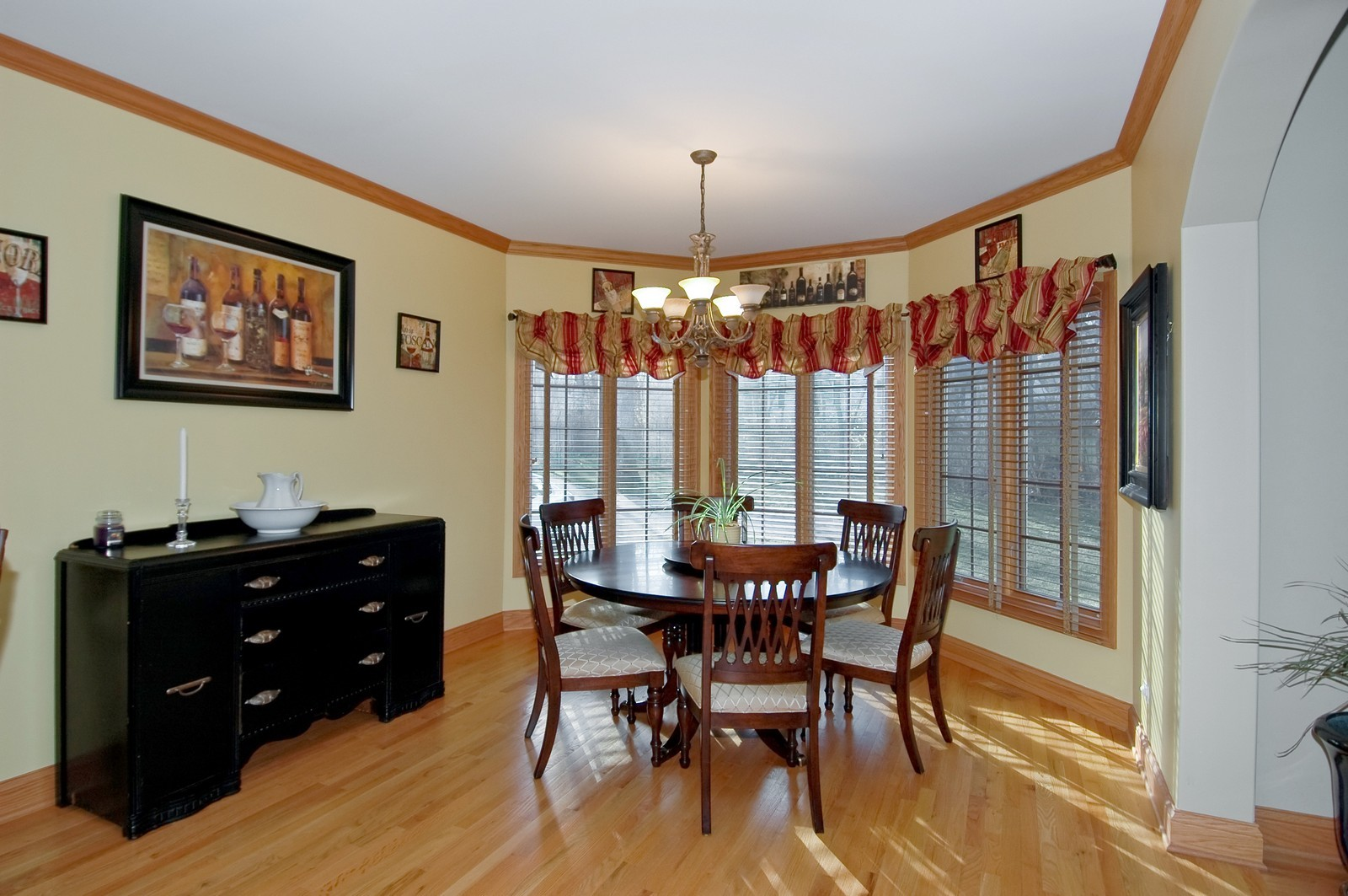 Real Estate Photography - 2100 Nish, Crystal Lake, IL, 60012 - Dining Area