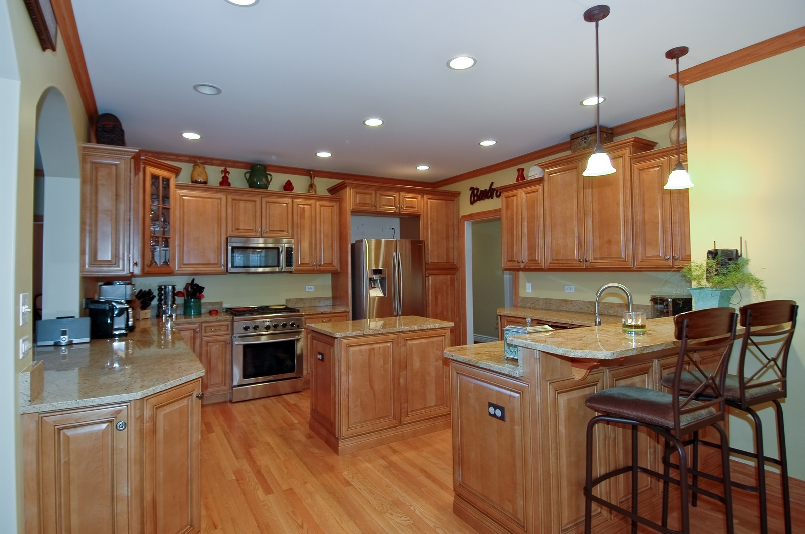 Real Estate Photography - 2100 Nish, Crystal Lake, IL, 60012 - Kitchen