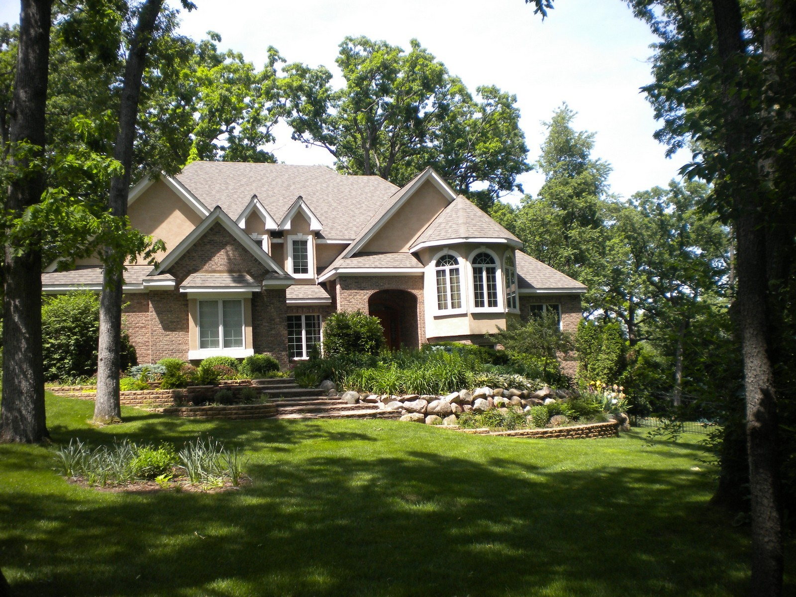 Real Estate Photography - 2100 Nish, Crystal Lake, IL, 60012 - Front View