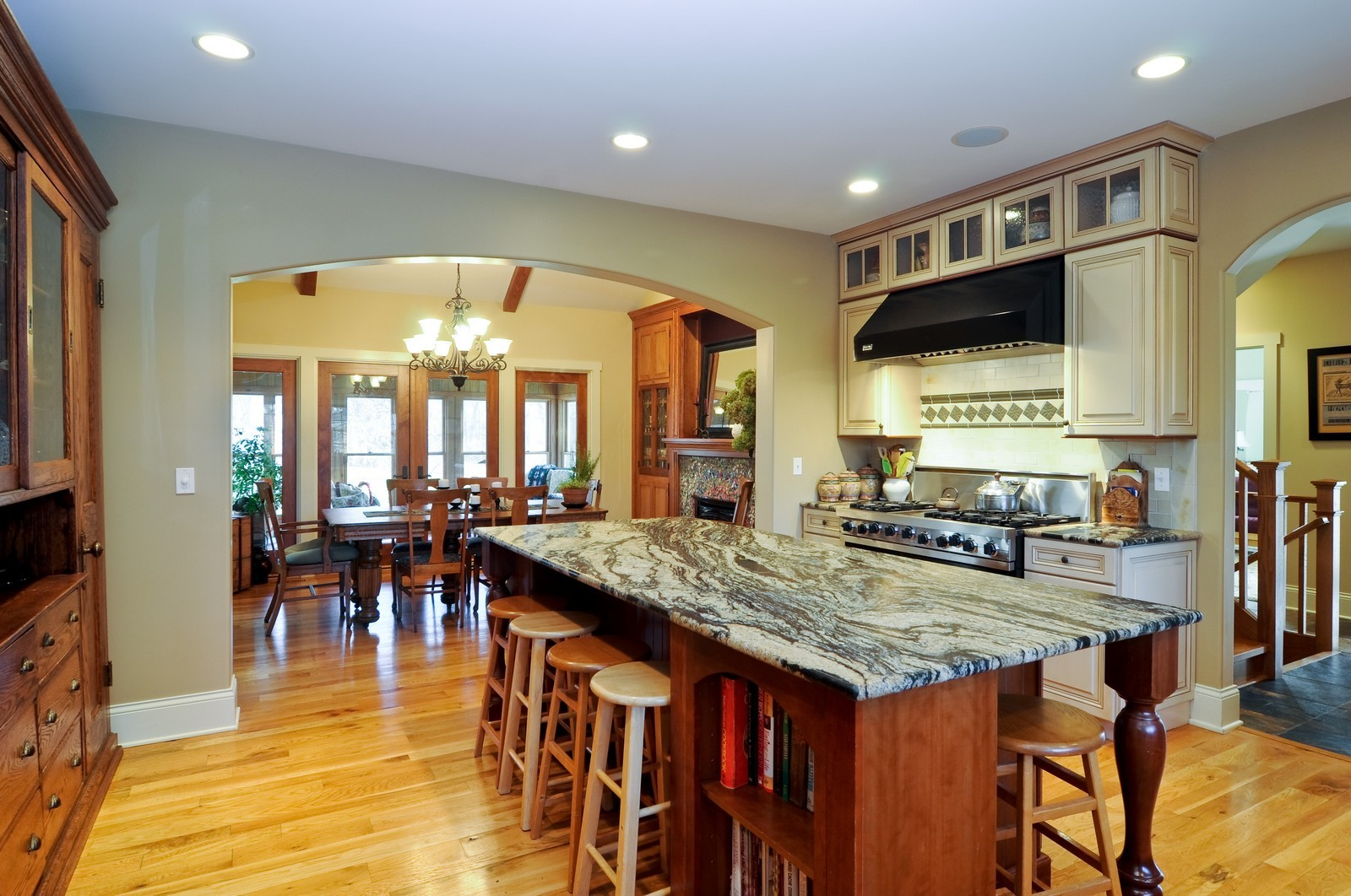 Real Estate Photography - 7420 S Rawson Bridge, Cary, IL, 60013 - Kitchen