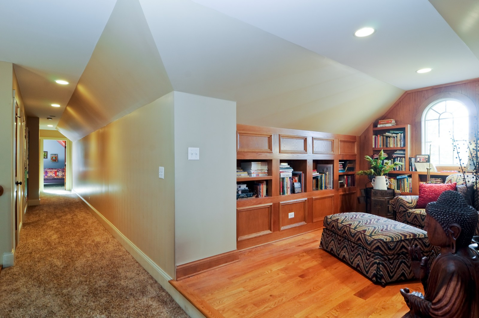 Real Estate Photography - 7420 S Rawson Bridge, Cary, IL, 60013 - Hallway
