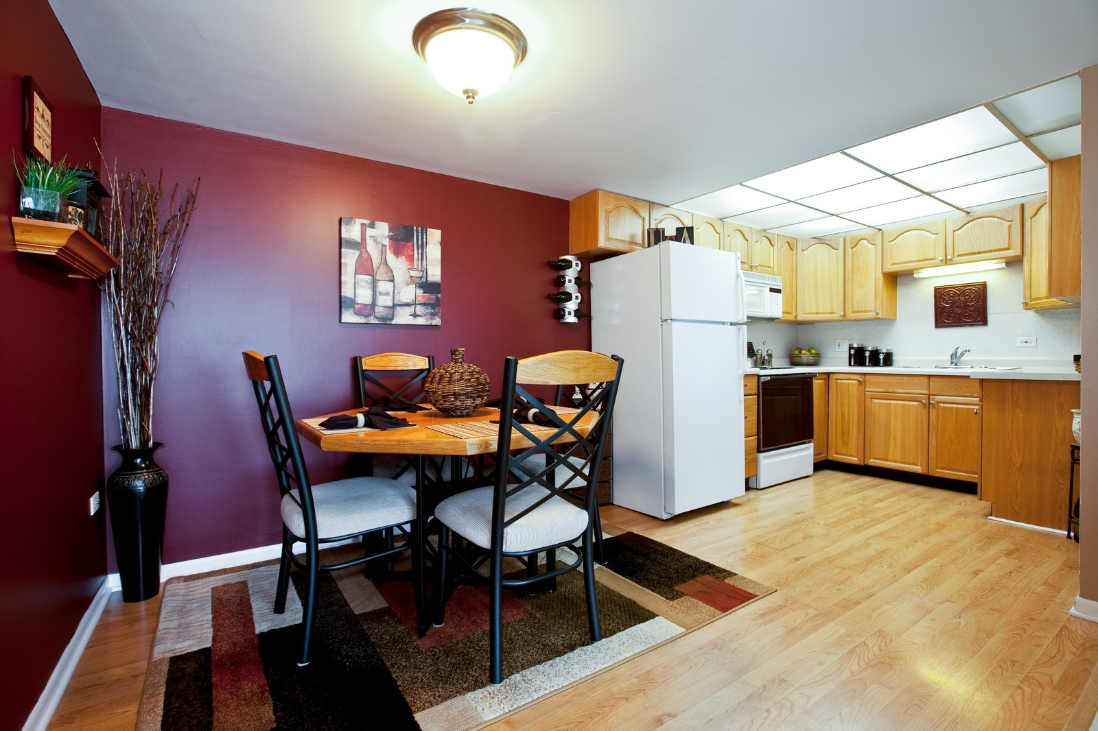 Real Estate Photography - 2900 Maple, Unit 23C, Downers Grove, IL, 60515 - Dining Room