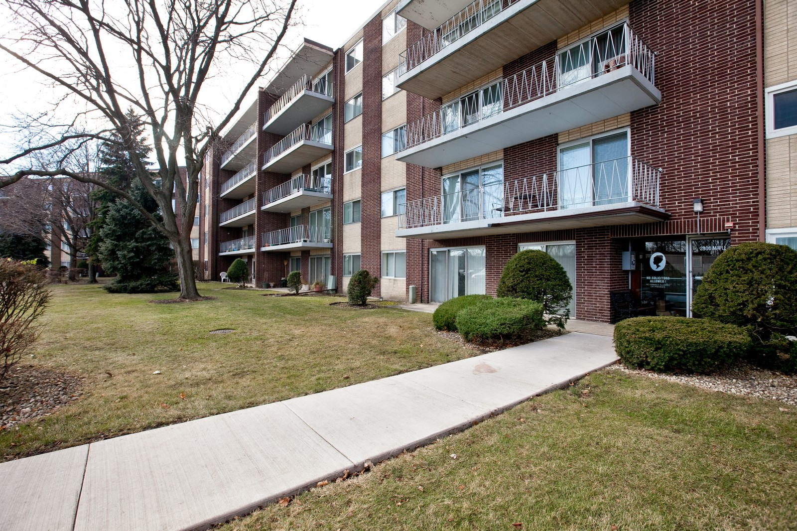 Real Estate Photography - 2900 Maple, Unit 23C, Downers Grove, IL, 60515 - Front View