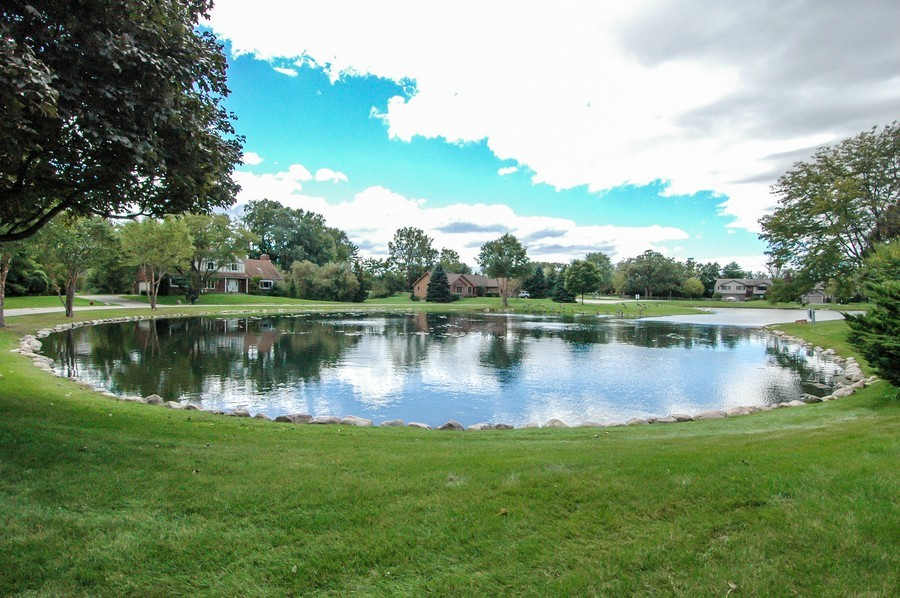 Real Estate Photography - 11811 Halma, Woodstock, IL, 60098 - Pond