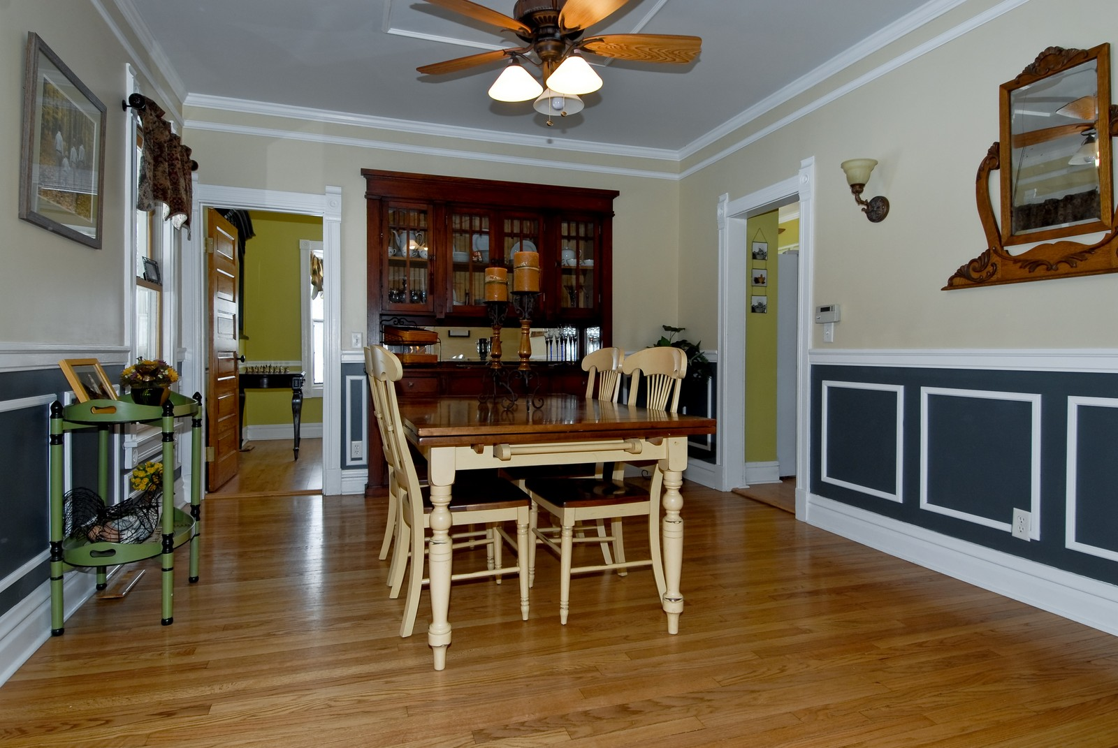 Real Estate Photography - 5N126 Crane, St Charles, IL, 60175 - Dining Room