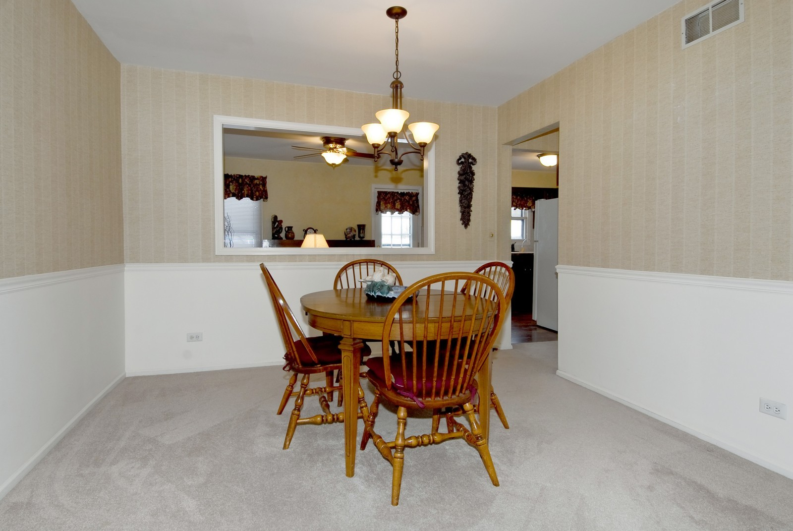 Real Estate Photography - 10 Roosevelt, St Charles, IL, 60174 - Dining Room