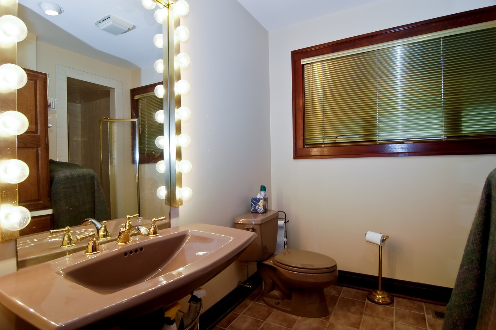 Real Estate Photography - 285 S York, Elmhurst, IL, 60126 - Master Bathroom