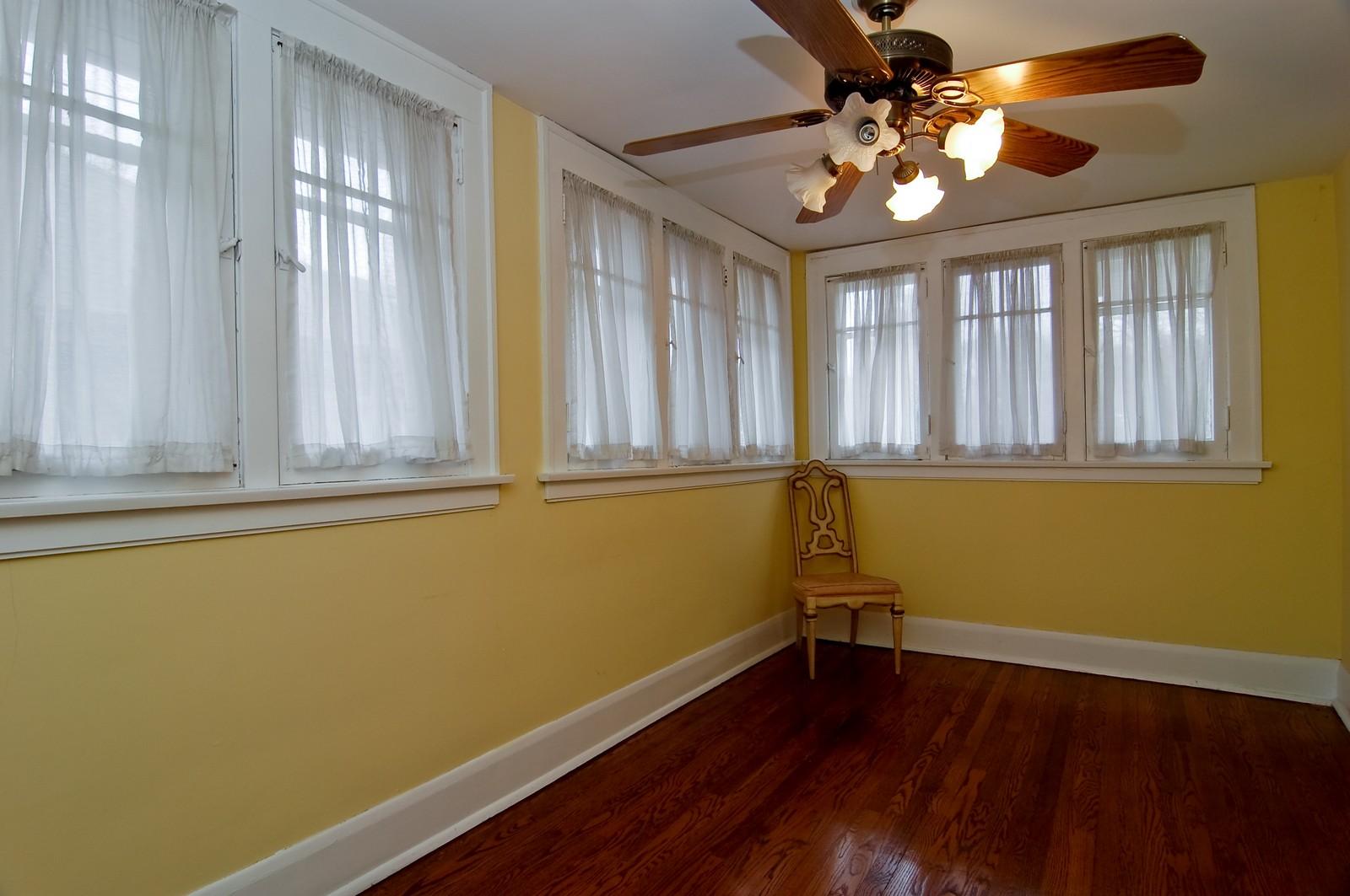 Real Estate Photography - 285 S York, Elmhurst, IL, 60126 - Bonus Room