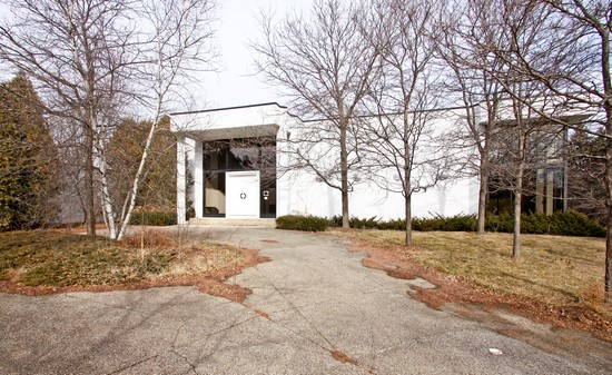 Front View photograph of 2670 Point Highland Park Illinois 60035