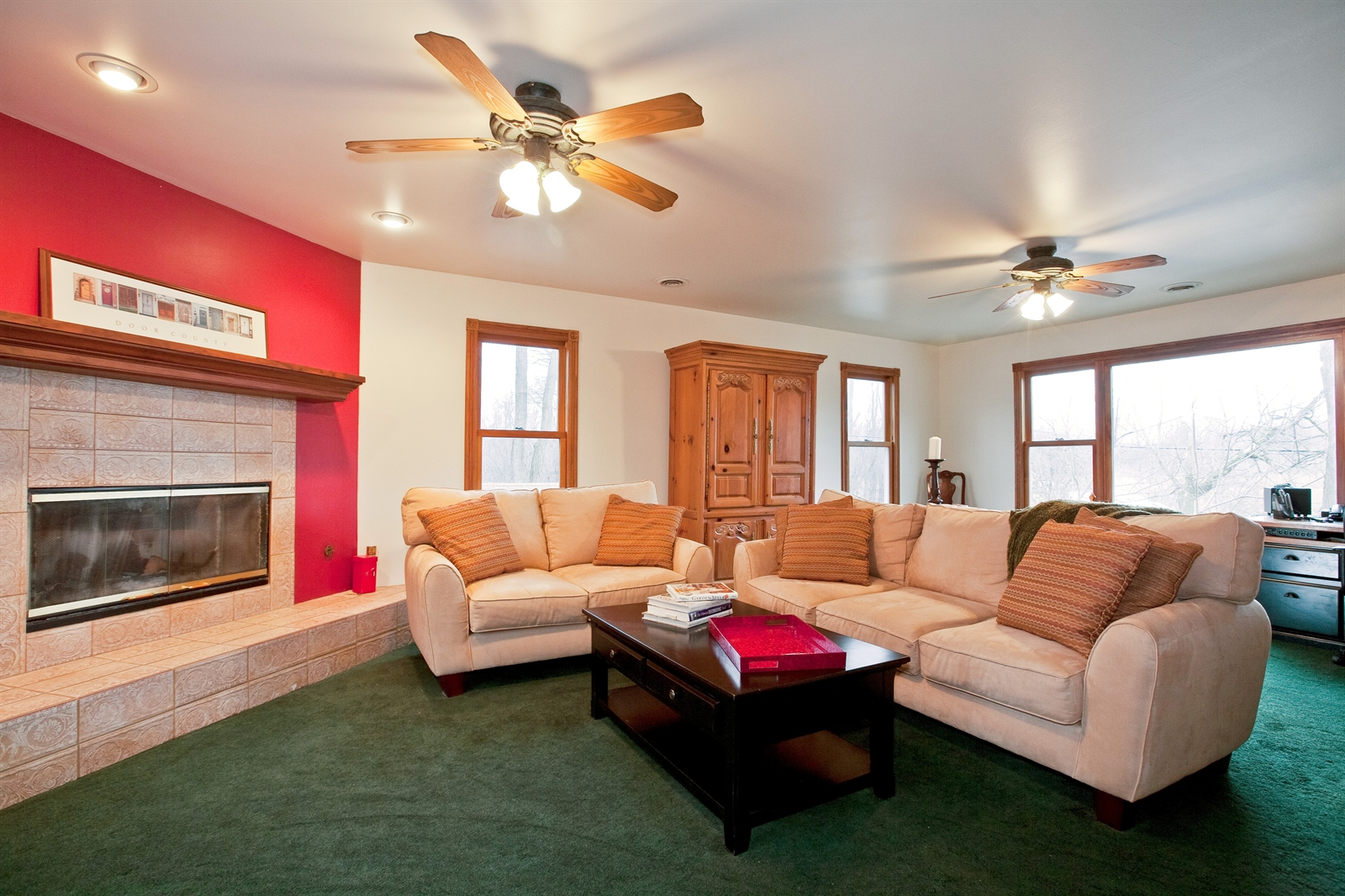 Real Estate Photography - 4838 Drendel, Downers Grove, IL, 60515 - Family Room