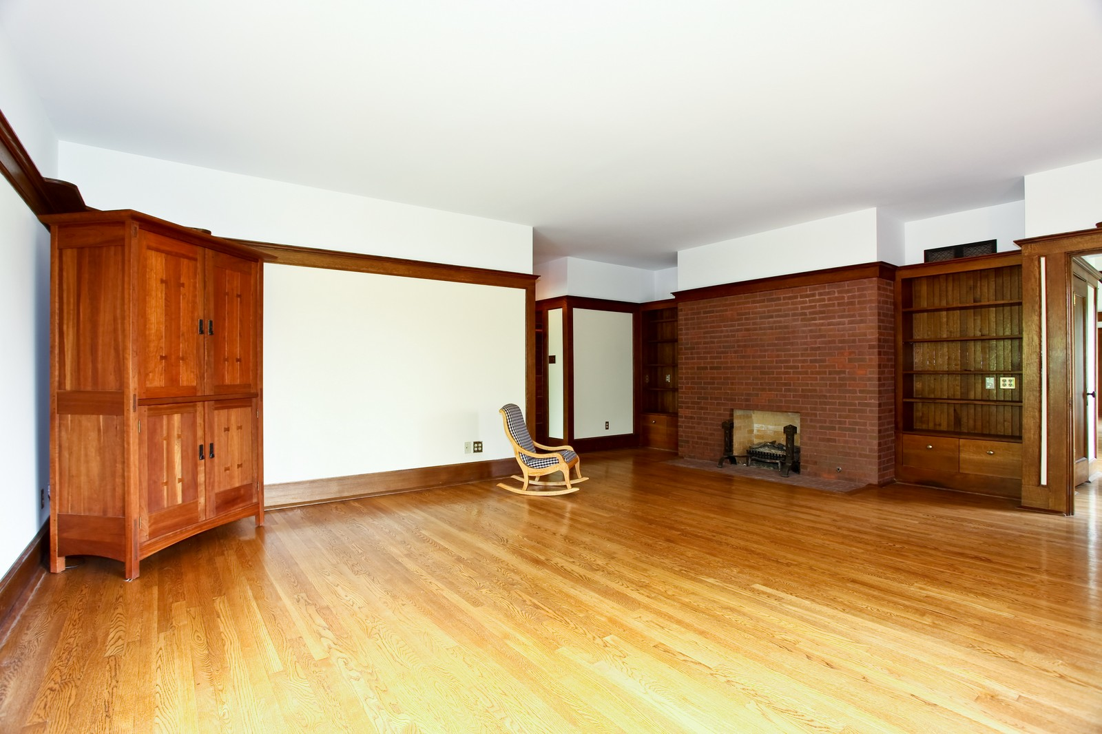 Real Estate Photography - 28W351 Geneva Rd, West Chicago, IL, 60185 - Living Room