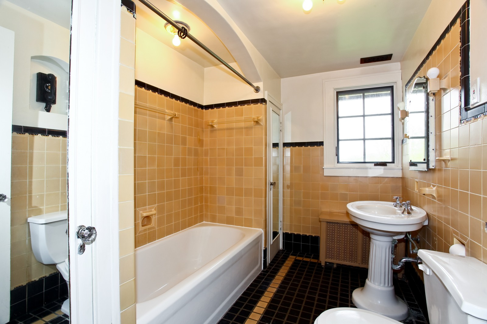Real Estate Photography - 28W351 Geneva Rd, West Chicago, IL, 60185 - Bathroom
