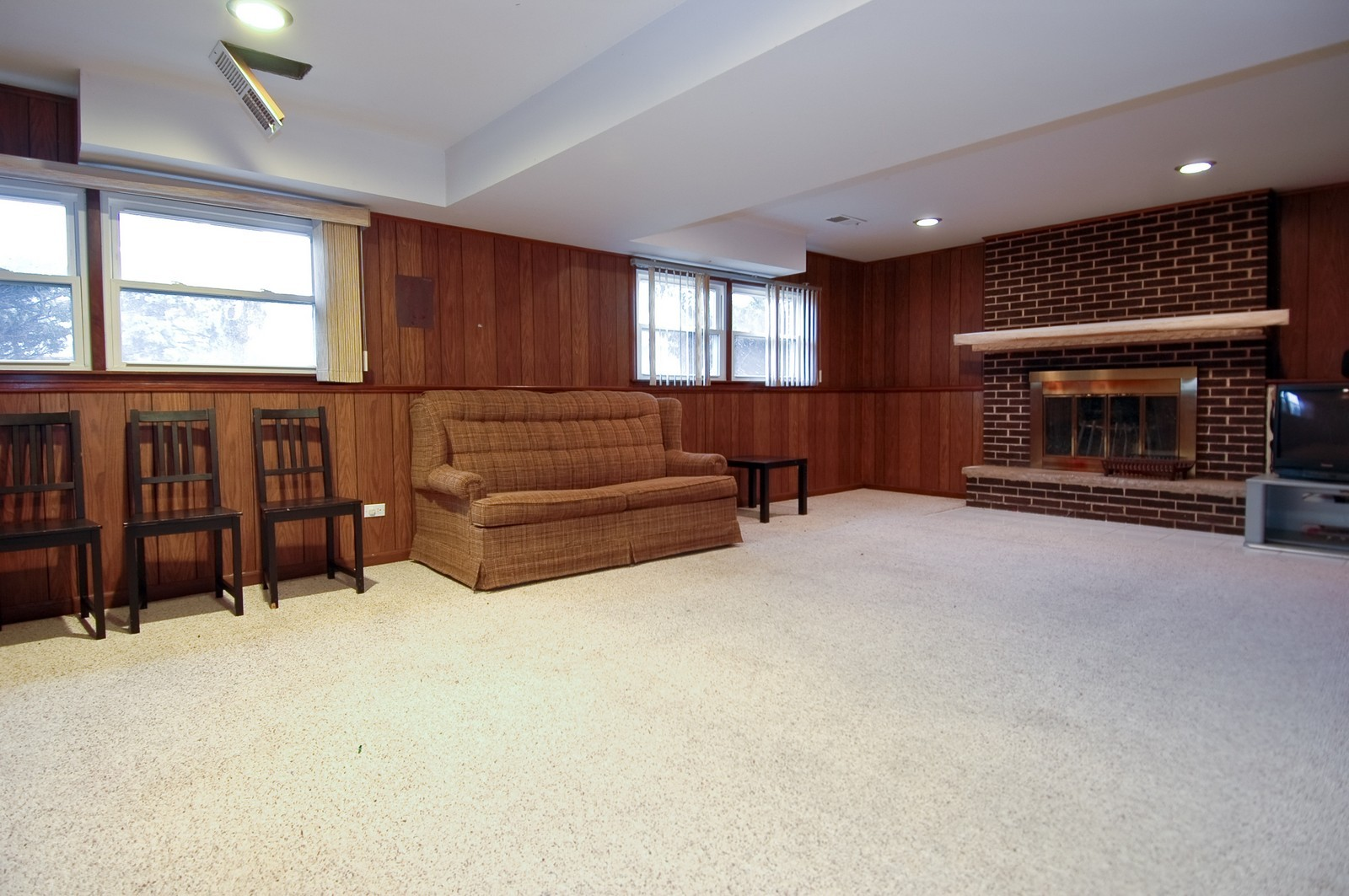 Real Estate Photography - 4715 Daniel, Crystal Lake, IL, 60014 - Family Room