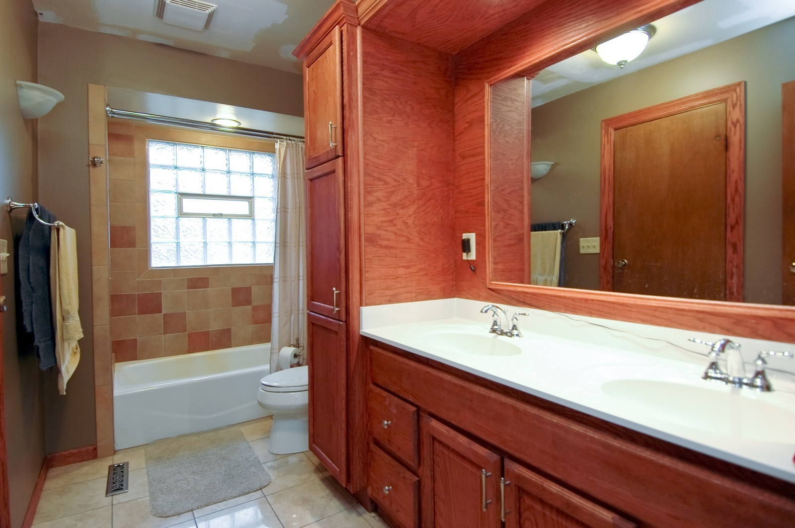 Real Estate Photography - 4715 Daniel, Crystal Lake, IL, 60014 - Bathroom