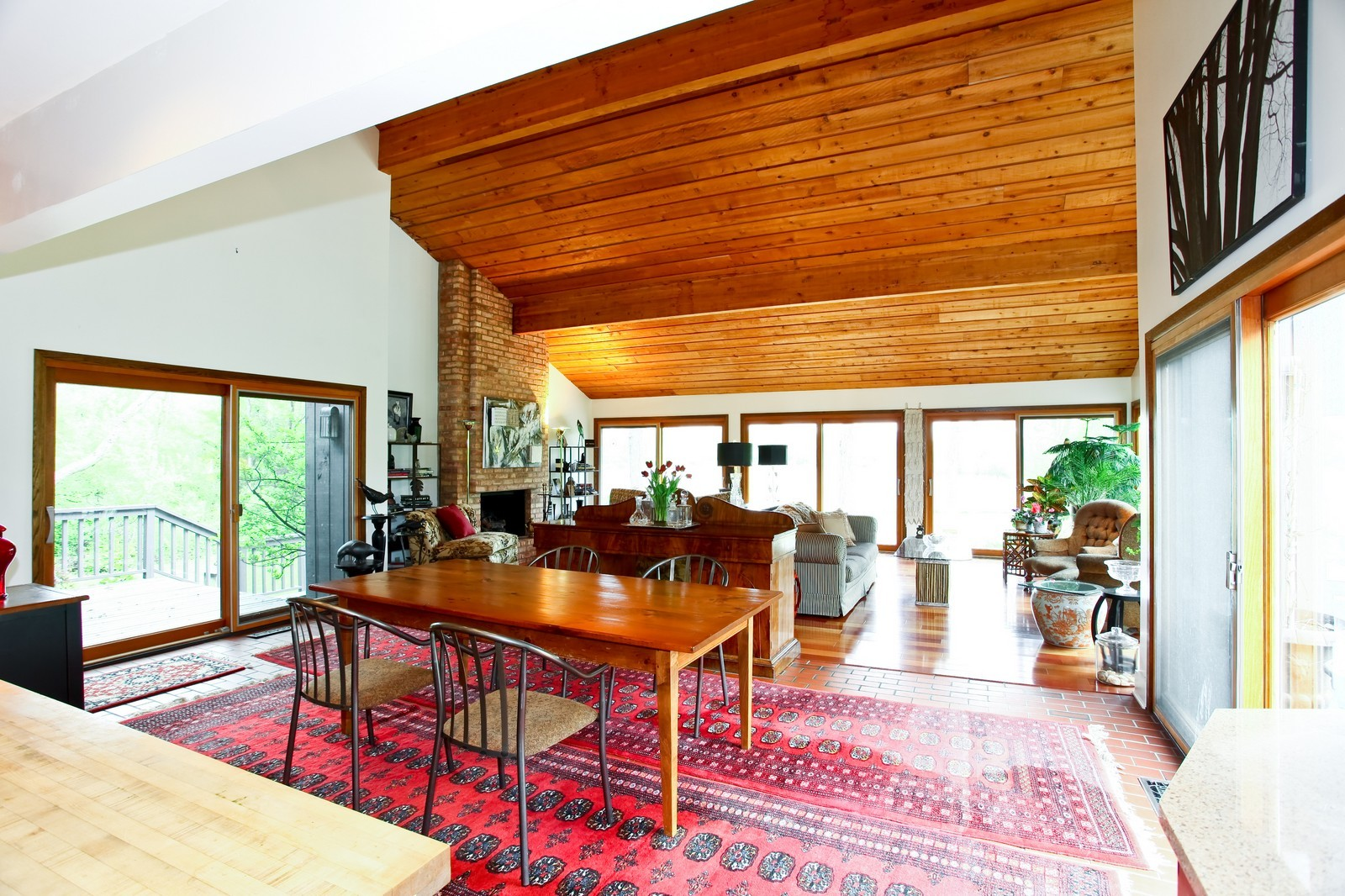 Real Estate Photography - 1S621 Bender, West Chicago, IL, 60185 - Living Room / Dining Room