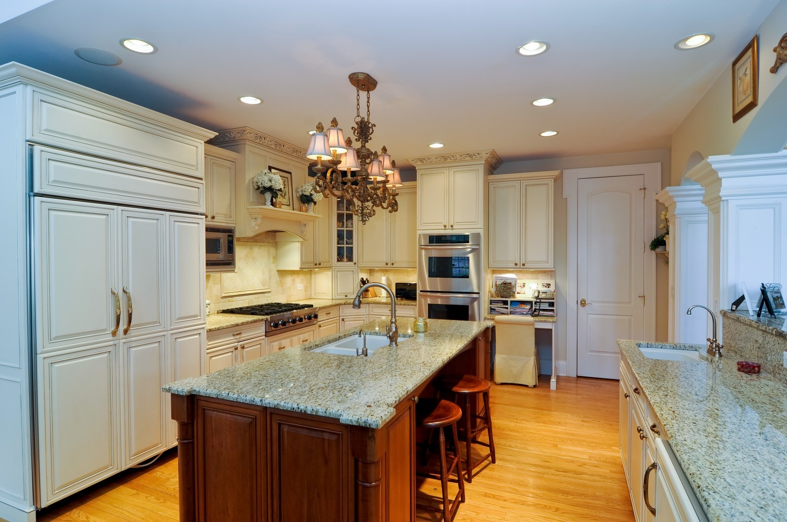 Real Estate Photography - 1885 Durham Drive, Inverness, IL, 60067 - Kitchen