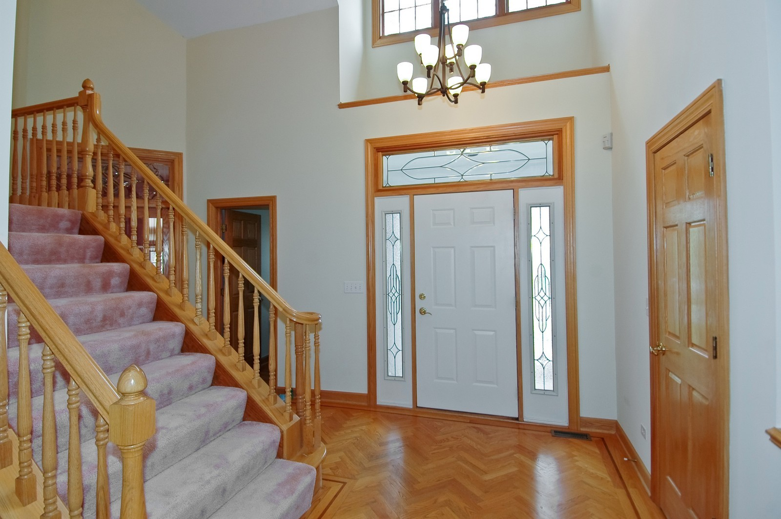 Real Estate Photography - 2 Greenbrier, Lake in the Hills, IL, 60156 - Foyer