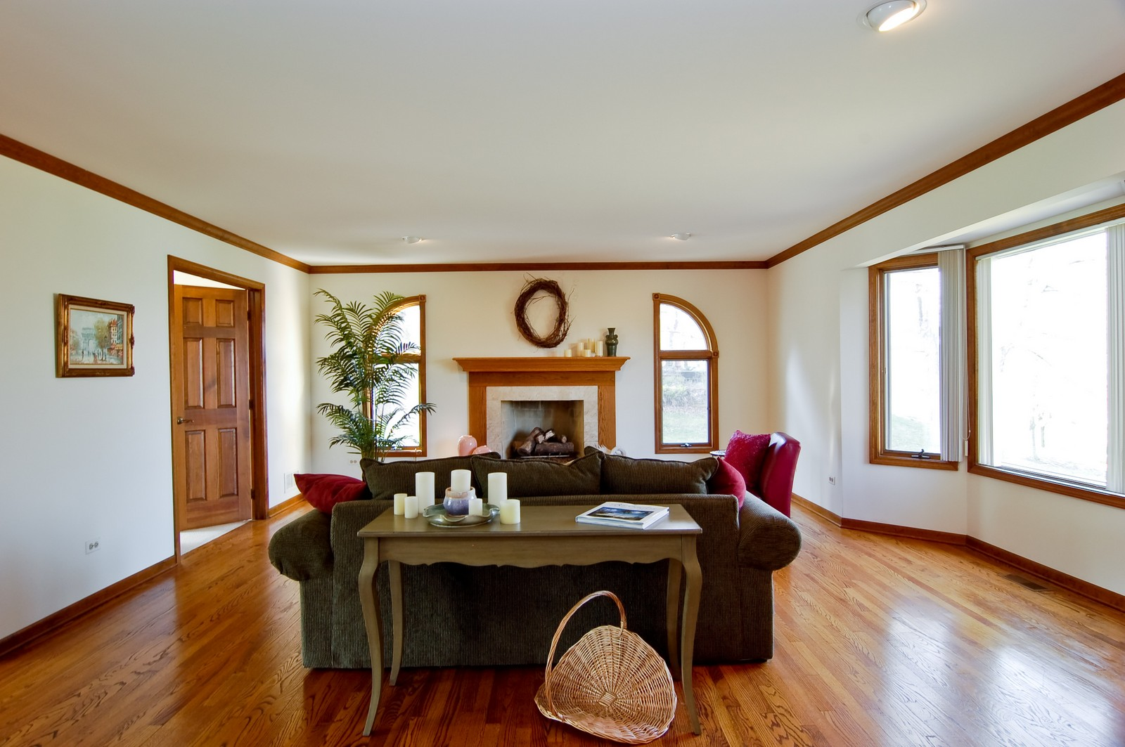 Real Estate Photography - 4302 Fox Creek, Crystal Lake, IL, 60012 - Living Room