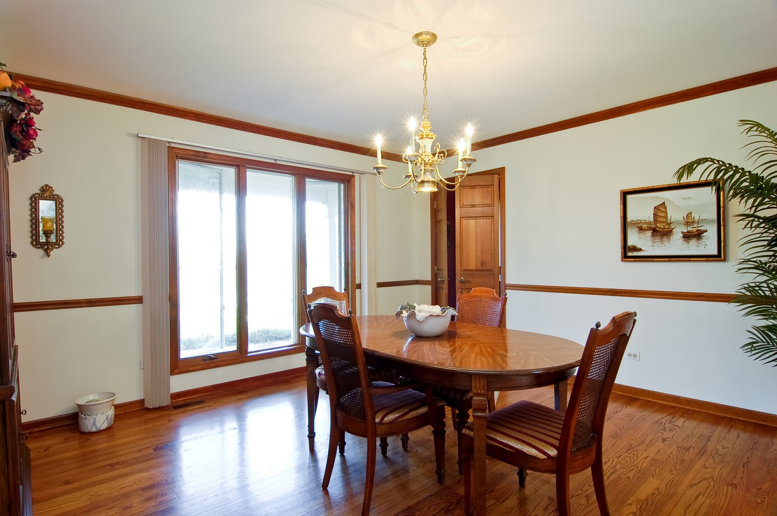 Real Estate Photography - 4302 Fox Creek, Crystal Lake, IL, 60012 - Dining Room