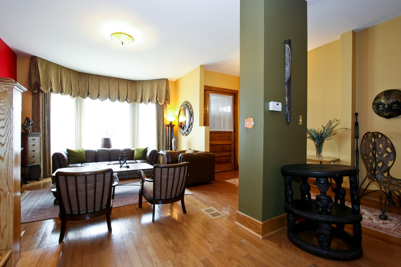 Real Estate Photography - 4949 Vincennes Ave, Chicago, IL, 60615 - Living Room