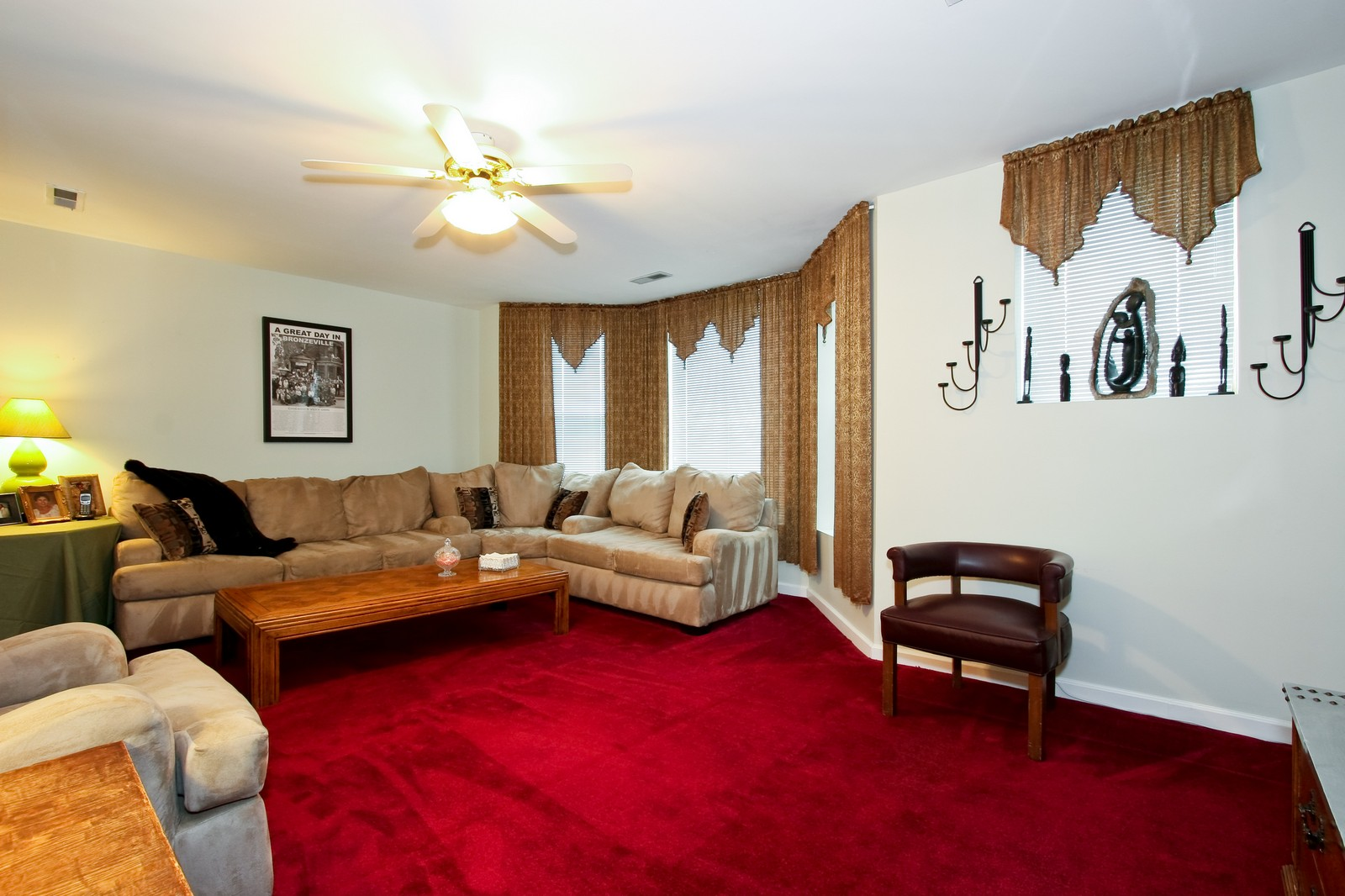 Real Estate Photography - 4949 Vincennes Ave, Chicago, IL, 60615 - 2nd Bedroom