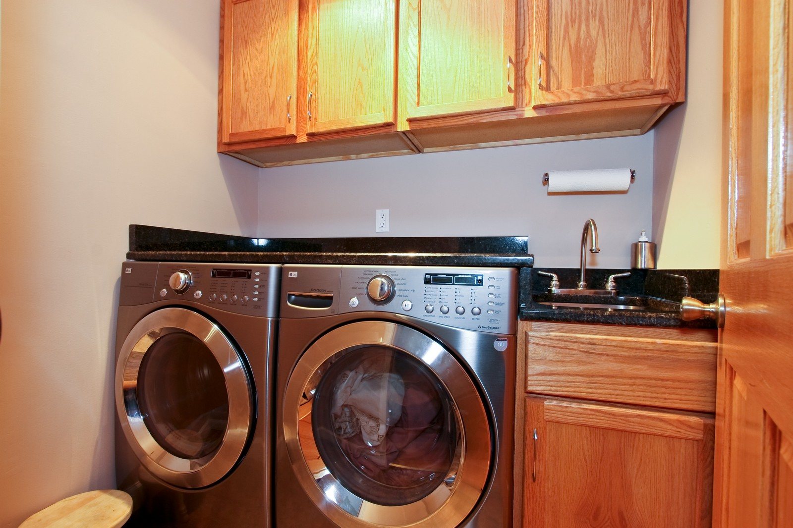 Real Estate Photography - 4949 Vincennes Ave, Chicago, IL, 60615 - Laundry Room