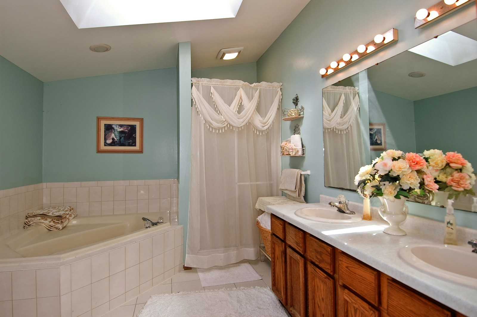 Real Estate Photography - 6106 S Kilkenny, Crystal Lake, IL, 60014 - Master Bathroom
