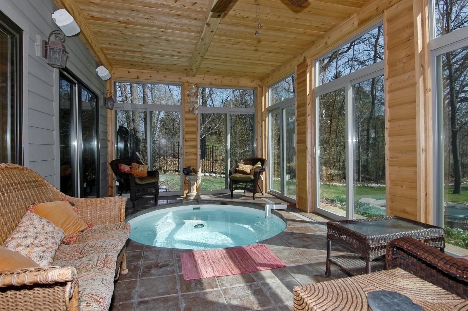 Real Estate Photography - 6106 S Kilkenny, Crystal Lake, IL, 60014 - Spa