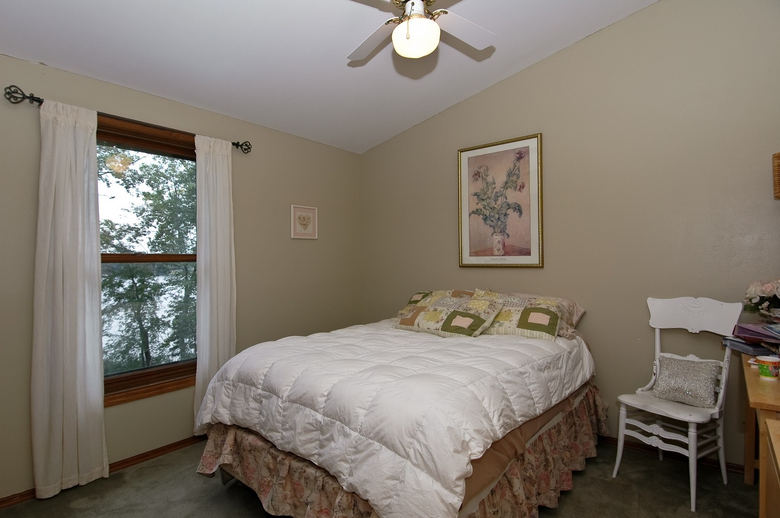Real Estate Photography - 6106 S Kilkenny, Crystal Lake, IL, 60014 - 2nd Bedroom