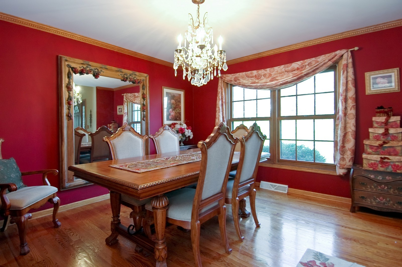 Real Estate Photography - 6106 S Kilkenny, Crystal Lake, IL, 60014 - Dining Room