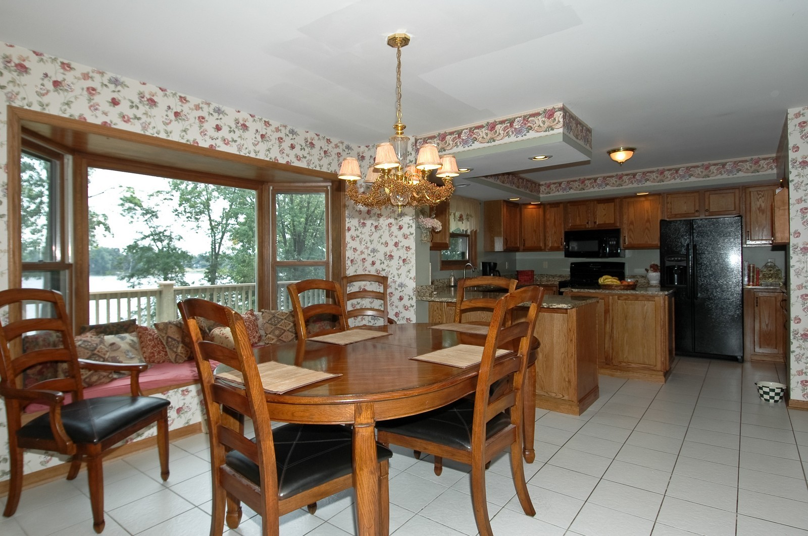 Real Estate Photography - 6106 S Kilkenny, Crystal Lake, IL, 60014 - Dining Area