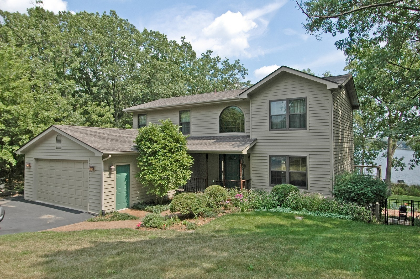 Real Estate Photography - 6106 S Kilkenny, Crystal Lake, IL, 60014 - Front View
