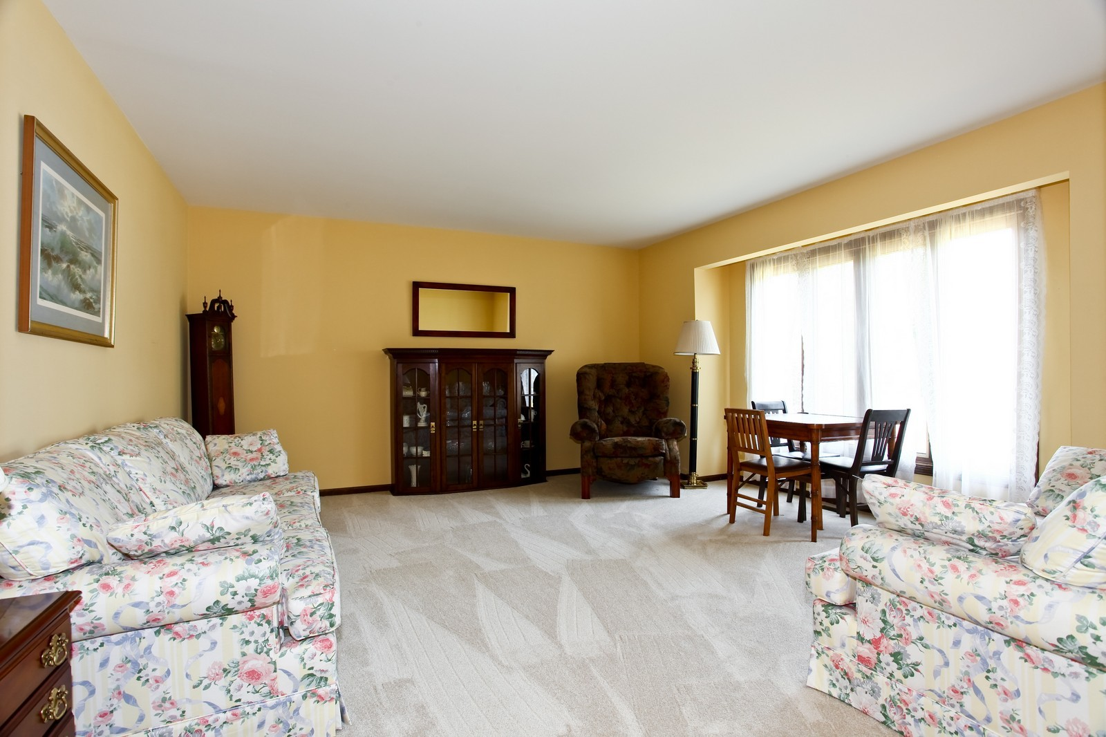 Real Estate Photography - 5N300 Sundance, Saint Charles, IL, 60175 - Living Room